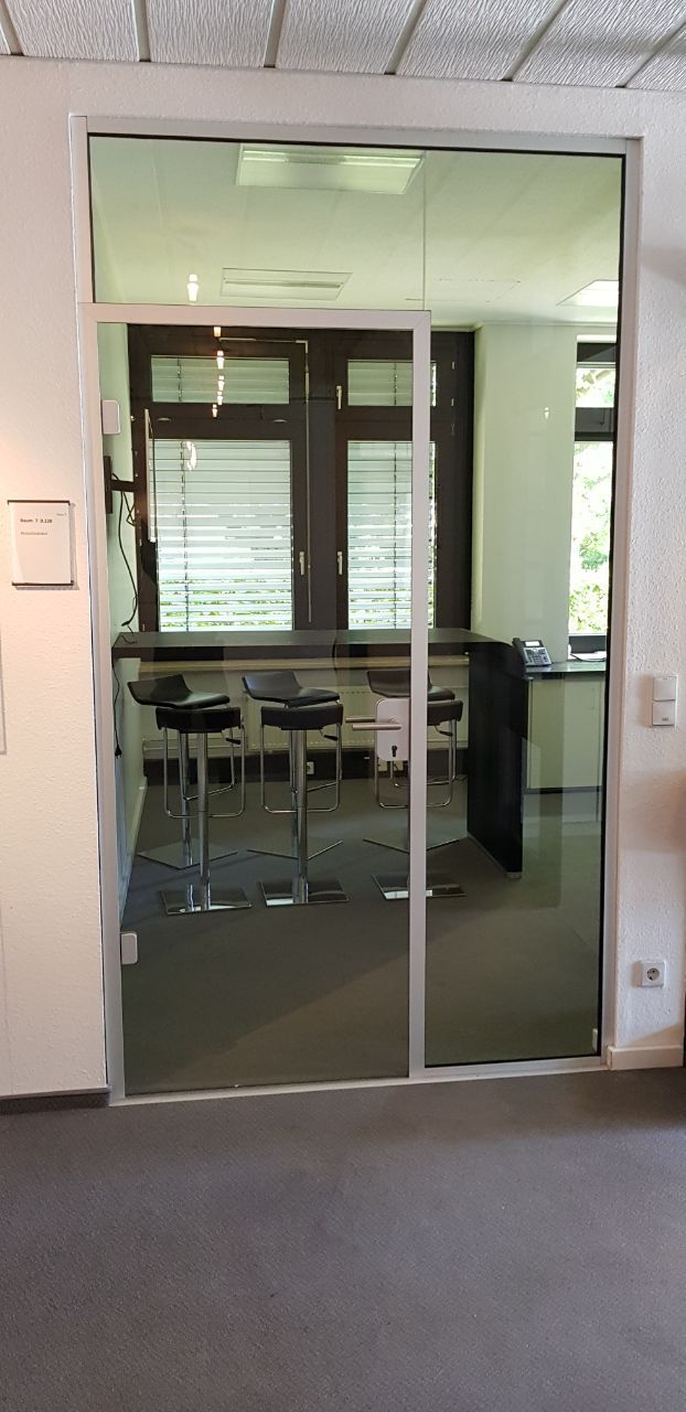 Glass partition conversation room